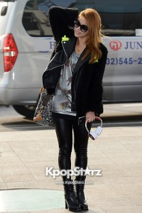 48940-airport-fashion-leaving-for-golden-disk-awards-in-kuala-lumpur-malaysi