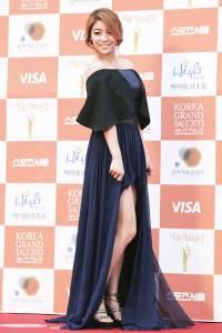 South-Korean-singer-Ailee-poses-for-the-lenses-as-she-arrives-for-High1-Seoul-Music-Awards-held-in-Seoul-on-January-31-2013